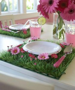 Set the scene for your garden party with these super cute placemats