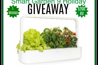 there's this genius Smart Garden creation that will allow gardening-lovers like myself to garden year-round. Enter to win in theClick and Grow Smart Garden 9 Holiday Giveaway. Good luck!